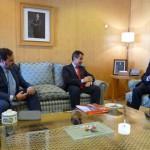 Una delegación de Vodafone presentó la iniciativa al presidente de la Diputación.