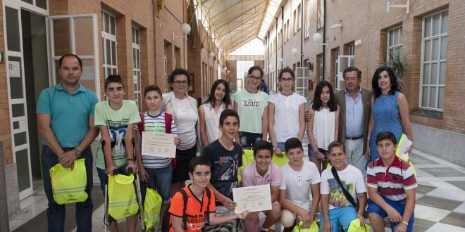 """Los alumnos del IES Sierra del Agua de Guadalcanal, ganadores del concurso  """"Clase sin humo"""""""