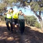 La Guardia Civil rescató al ciclista herido en un camino de El Real de la Jara. Foto: Guardia Civil.