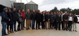 La consejera de Agricultura se reúne en Cazalla con representantes del sector agrícola y ganadero de la Sierra Norte de Sevilla