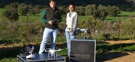 Dos jóvenes ponen en marcha una empresa de drones que aplican a la agricultura y el turismo