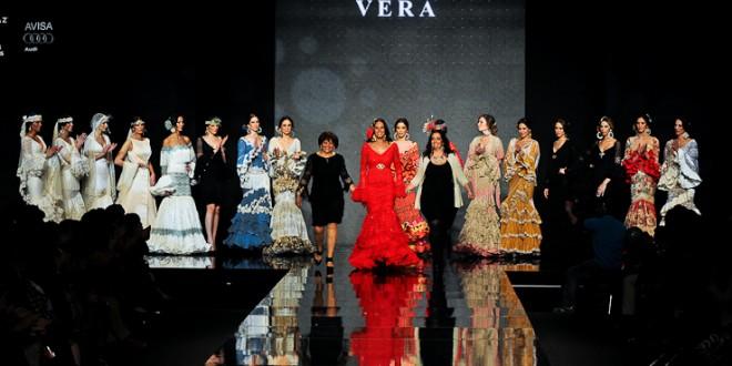 La puebleña Loli Vera triunfa e innova en el  mundo de la moda flamenca